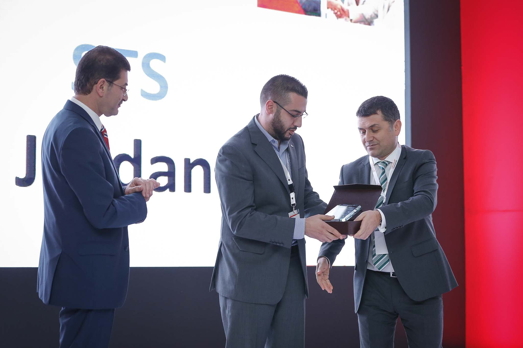 STS is awarded Oracle Partner of the Year 2016 for the Levant and Egypt Area